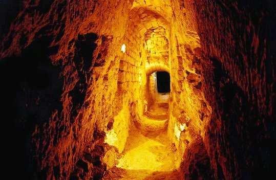 Lucruri pe care nu le ştiai despre Paris_catacombele Parisului